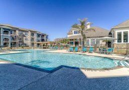 Villas_at_River_Park-pool